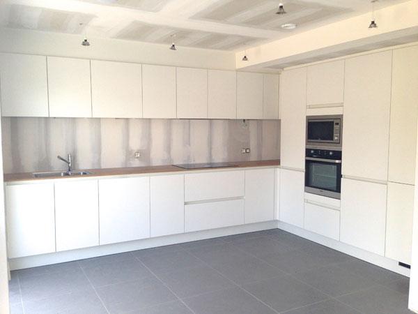 Faience Voor Keuken : zijn afgerond en de faience in de keuken zijn geplaatst en gevoegd